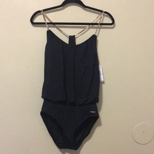 🔥FLASH SALE‼️Vince Camuto NWT one piece swimsuit✨